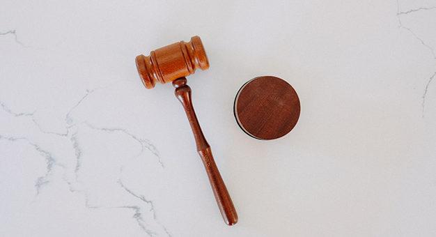 Mantida cassação de aposentadoria de servidora acusada 626x417