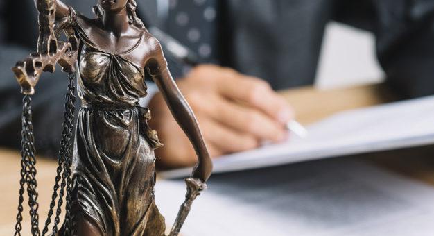 Presunção de influência do júri por comentários do promotor na imprensa não basta para mudança de foro